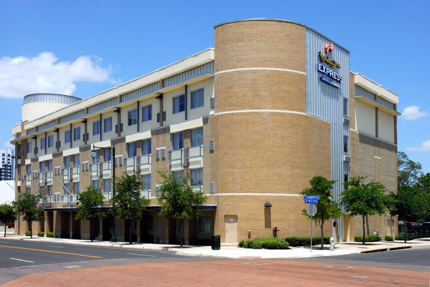 IHG Holiday Inn Express and Suites Historic Dignowity Hill-EAST