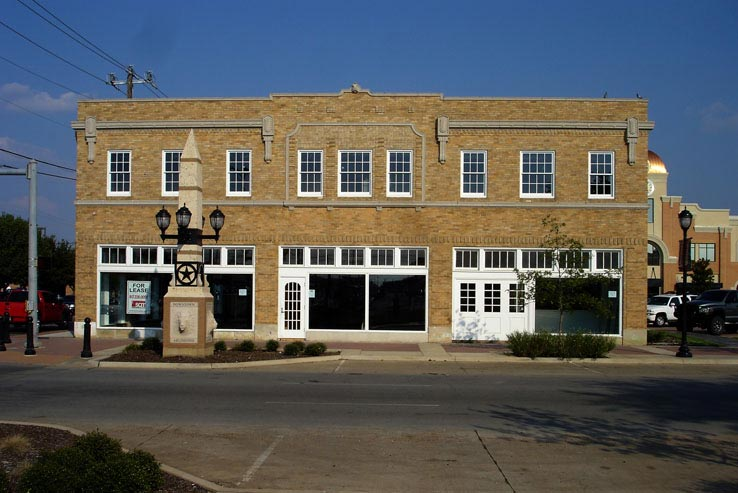 Adaptive Reuse | The Vandergriff Building, Arlington, Texas. Harve D. Withers, 1928