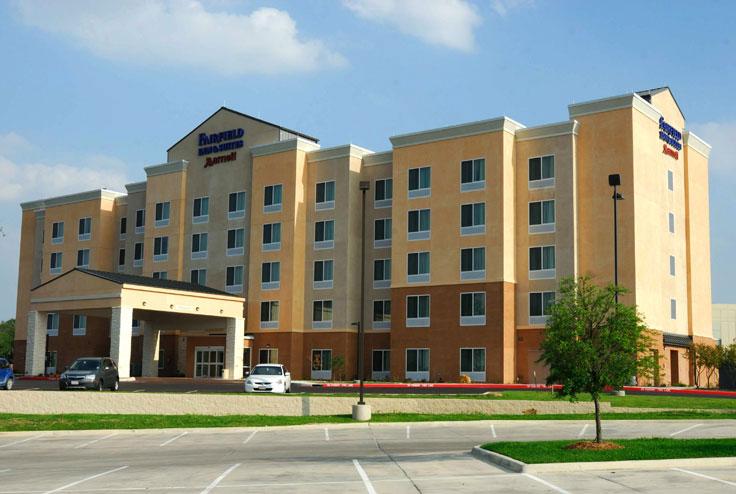 Exterior Photo of Marriot Fairfield Inn and Suites Shertz TX