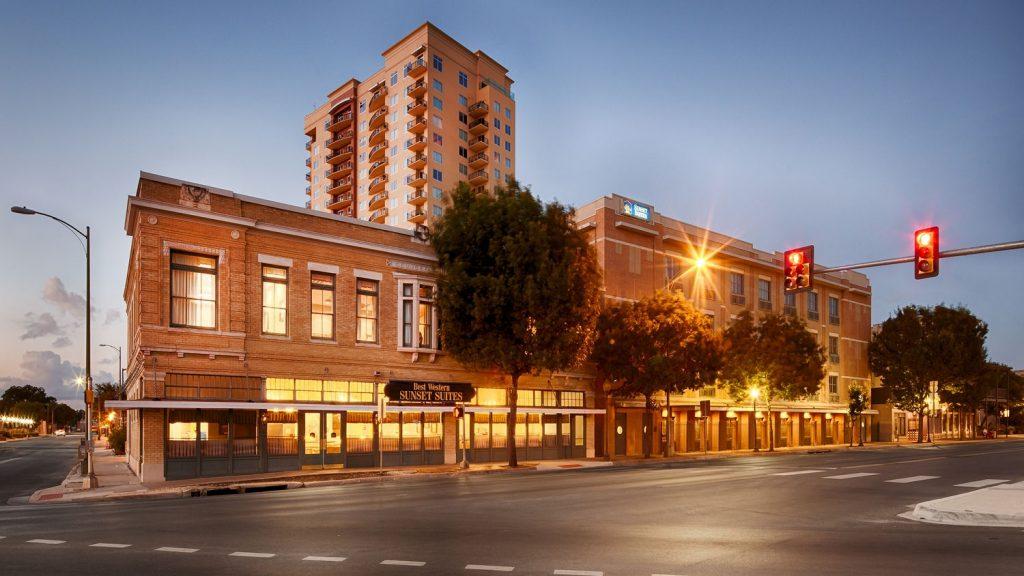 St. Paul Square Sunset Suites Best Western