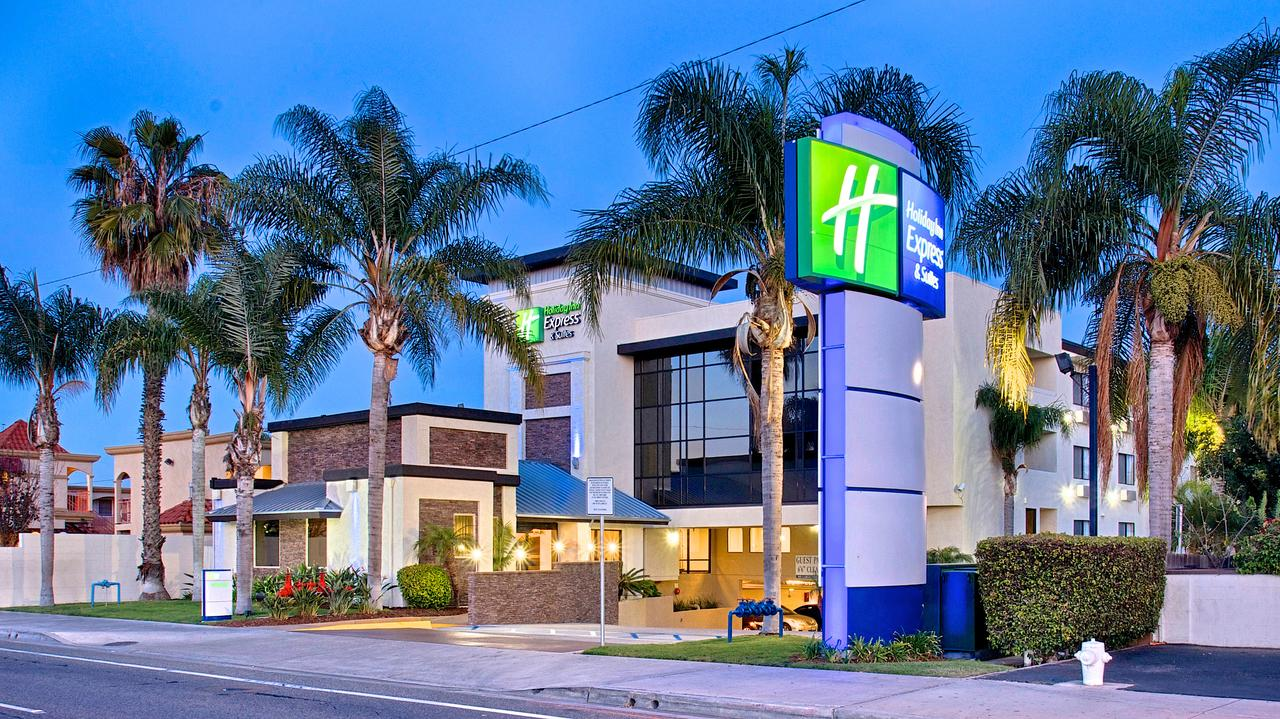Holiday Inn Express and Suites Costa Mesa, California
