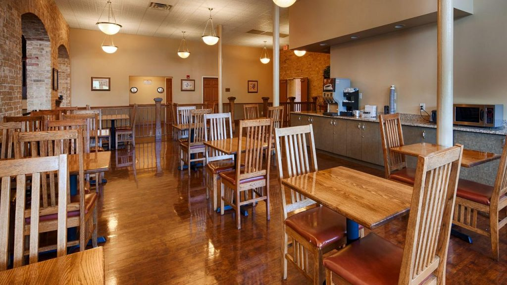 Breakfast area Best Western Sunset Suites San Antonio TX
